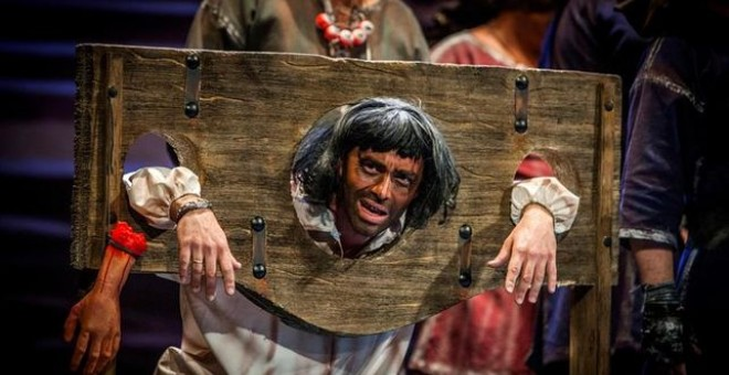 Un Puigdemont guillotinado en una chirigota, primera polémica carnavalera