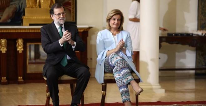 El presidente del Gobierno, mariano Rajoy, con la ministra de Empleo y Seguridad Social, Fátima Báñez, en el Palacio de la Moncloa. EUROPA PRESS