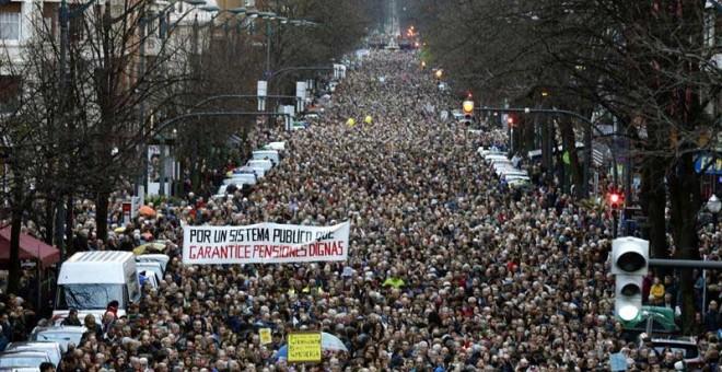 Aspecto de la multitudinaria manifestación en Bilbao. | EFE