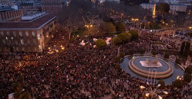 Manifestantes este sábado en la plaza de Neptuno