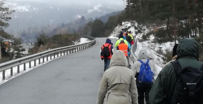Personas caminando para reivindicar la Renta Básica/Marta Sánchez de Ron