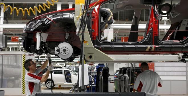 Cadena de montaje de la planta de SEAT en Martorell. REUTERS/Gustau Nacarino