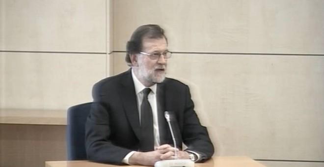 Mariano Rajoy, durante su declaración en el juicio de la Gürtel. / EFE