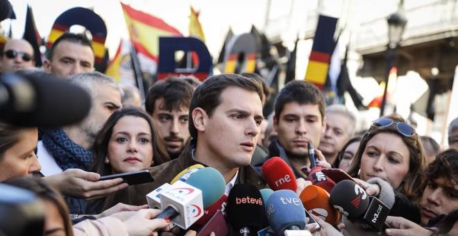 Albert Rivera protagonizó la gran manifestación convocada por Jusapol el pasado enero en Barcelona para reclamar la equiparación de salarios de Policía y Guardia Civil con los de los Mossos. CS