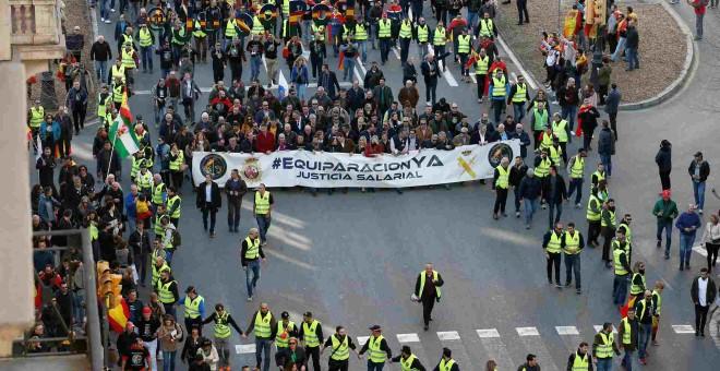 Imagen aérea de la 'cápsula de seguridad' que se acordonó en torno a la cabecera de políticos en la manifestación de Jusapol en Barcelona, narrada a 'Público' por uno de sus integrantes en el artículo anterior.