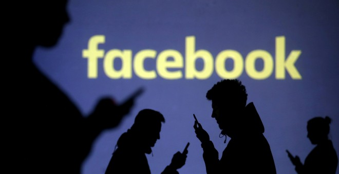 Logo de Facebook. REUTERS/Dado Ruvic