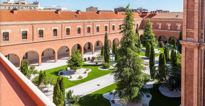 La Residencia Colegio Infanta María Teresa, en imágenes publicadas en la web del centro.