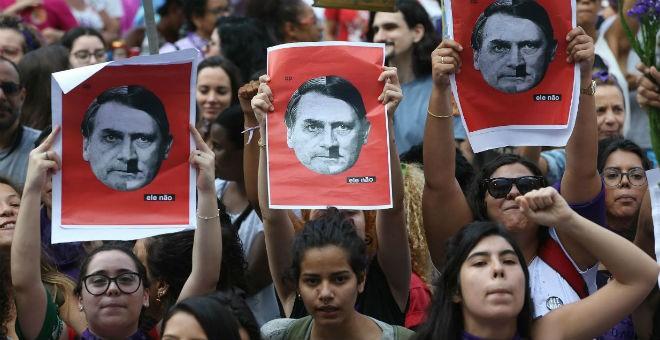 Manifestación de mujeres brasileñas contra la elección como presidente del ultraderechista Jair Bolsonaro. / EFE