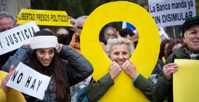Concentración convocada hoy ante la sede del Tribunal Supremo en Madrid por la organización soberanista Clam per la llibertat (Grito por la libertad) y apoyada por ERC, PDeCAT, CUP, la Crida Nacional y otras asociaciones, bajo el lema 'No hay Justicia' pa