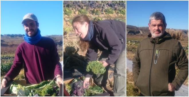Agricultores de una finca ecológica en Soto del Grillo. / PÚBLICO