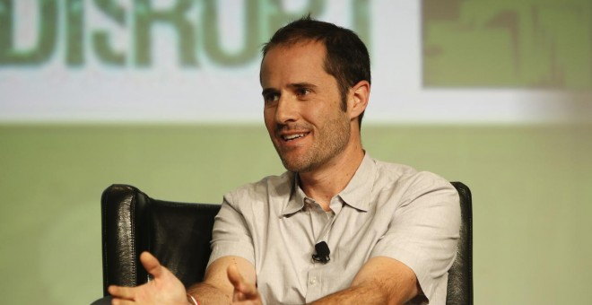 FILE PHOTO: Twitter co-founder Evan Williams speaks on stage during TechCrunch Disrupt SF 2012 at the San Francisco Design Center Concourse in San Francisco, California September 12, 2012. REUTERS/Stephen Lam/File Photo