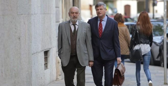El juez de la mafia balear acusa a su antecesor y al fiscal sin haber mirado el sumario del caso