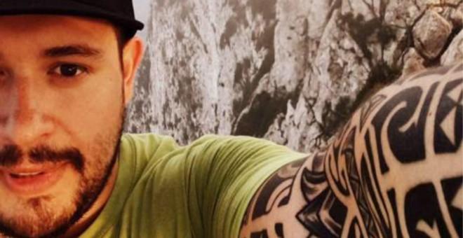 César Augusto Alvarado Cano, haciéndose un 'selfie'.