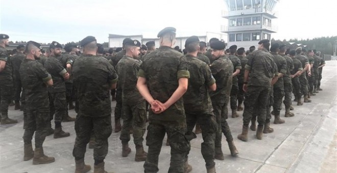Militares españoles desplegados en Letonia. EUROPA PRESS