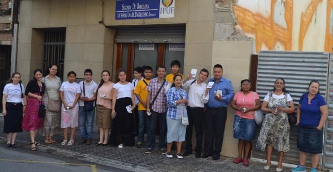 Creients de l'Església Pentecostal Unida a Europa. Facebook.