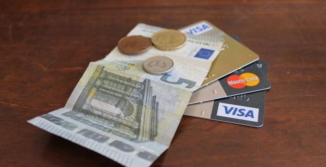 Sentencia pionera: cobrar cinco euros de más a un cliente es estafa