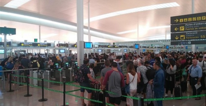 Control de seguridad en el aeropuerto de Madrid. Europa Press