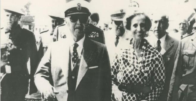 El dictador Francisco Franco y su esposa Carmen Polo, en una visita a A Coruña.