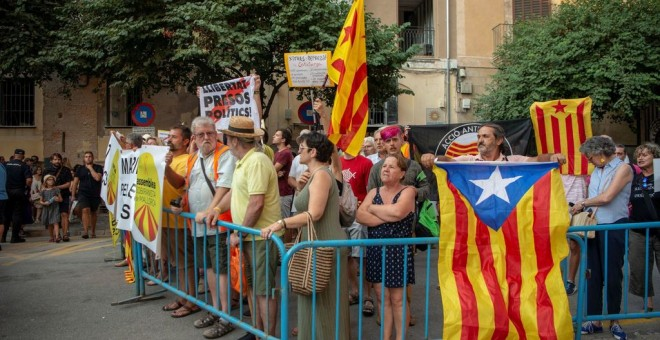Manifestación contra la monarquía en el Palacio de la Almudaina. EFE