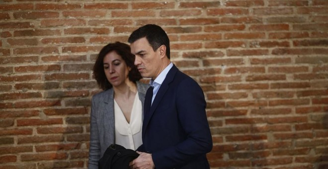 Irene Lozano, la secretaria de Estado de España Global, junto a Pedro Sánchez.  Europa Press
