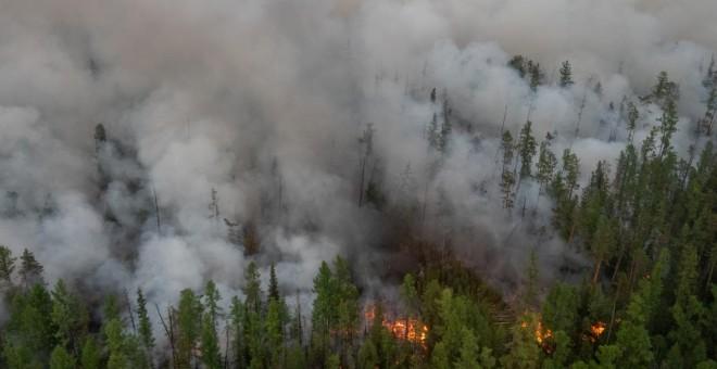 En Siberia todavía continúan activos más de 200 incendios, según las autoridades. / Reuters