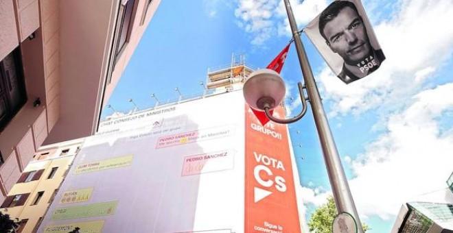 Carteles electorales durante la campaña de las últimas elecciones generales