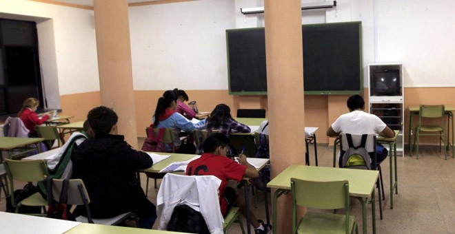 En Madrid hay unos 125 alumnos sordos matriculados en veinticinco institutos. / EFE
