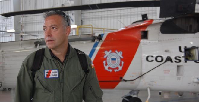 Ian Urbina, en uno de sus viajes para investigar los mares.