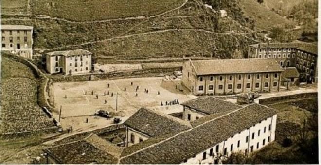 Vista de la antigua cárcel de Saturrarán