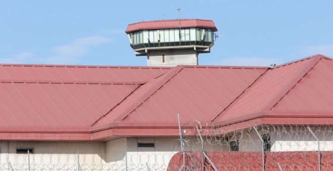 El acusado de descuartizar a una joven de 18 años llevó una 'tarjeta navaja' a la cárcel