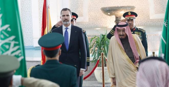 """El rey evitó dar al régimen saudí los consejos de """"democracia"""" formulados en Cuba"""