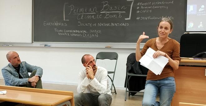 Participantes en la charla 'El Ibex patrocina el cambio climático' en la Cumbre Social. / GUILLERMO MARTÍNEZ