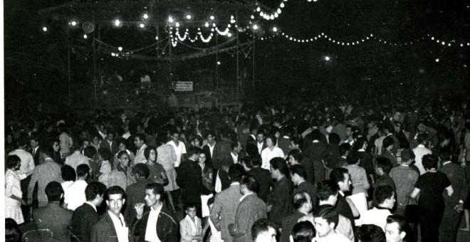Verbena en las fiestas de San Julián, 1961. Autor: Luis Pascual, fuente: Memoria Local Biblioteca Municipal de Cuenca. Cedida por el autor para este reportaje.