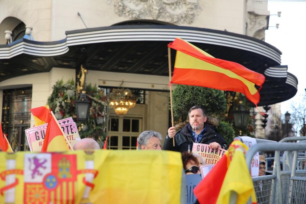 Protesta de Hazte Oír contra la formación del Gobierno progresista. HAZTE OÍR