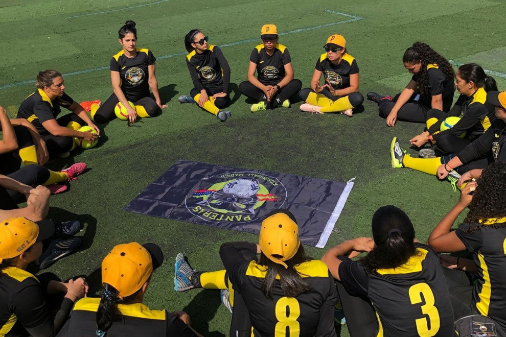 Las jugadoras de kickingball de las Panteras, en Tenerife.