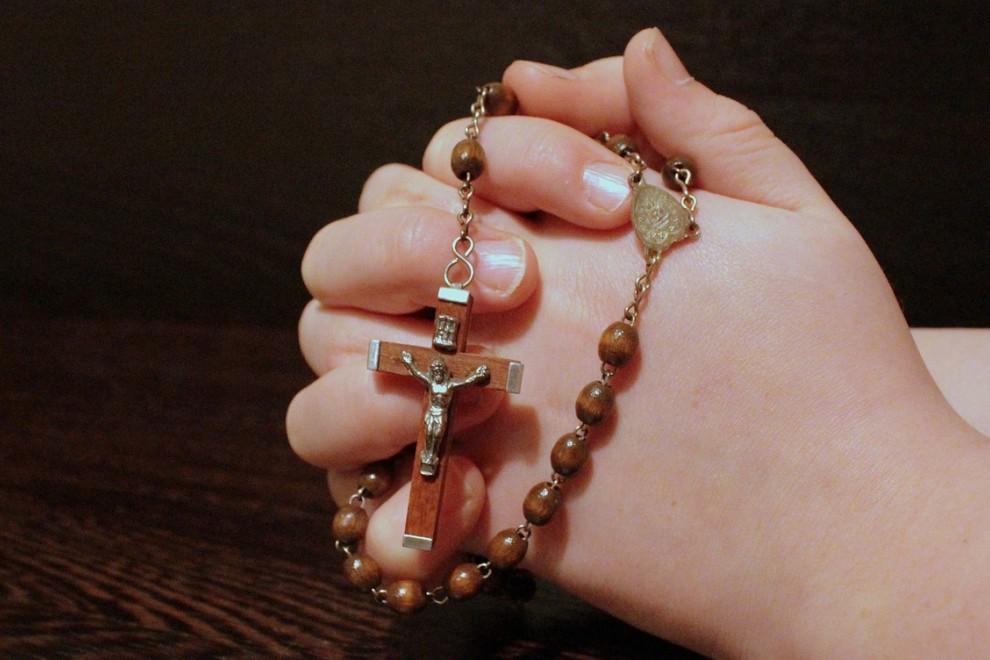 Imagen de un rosario. /Pixabay