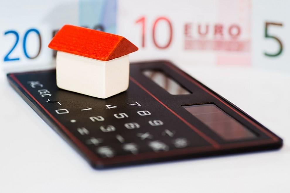 Las dos sentencias abren caminos inexplorados hasta ahora en el tratamiento judicial de los abusos hipotecarios. / PIQSELS