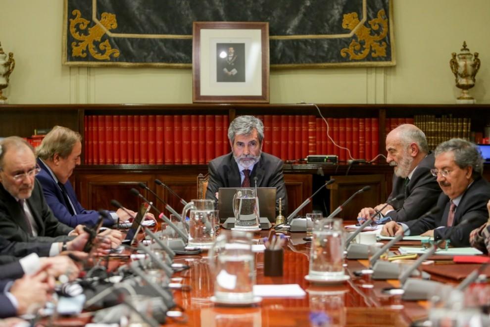 El presidente del Consejo General del Poder Judicial y del Tribunal Supremo (CGPJ), Carlos Lesmes, preside el pleno del CGPJ. / Europa Press / Archivo