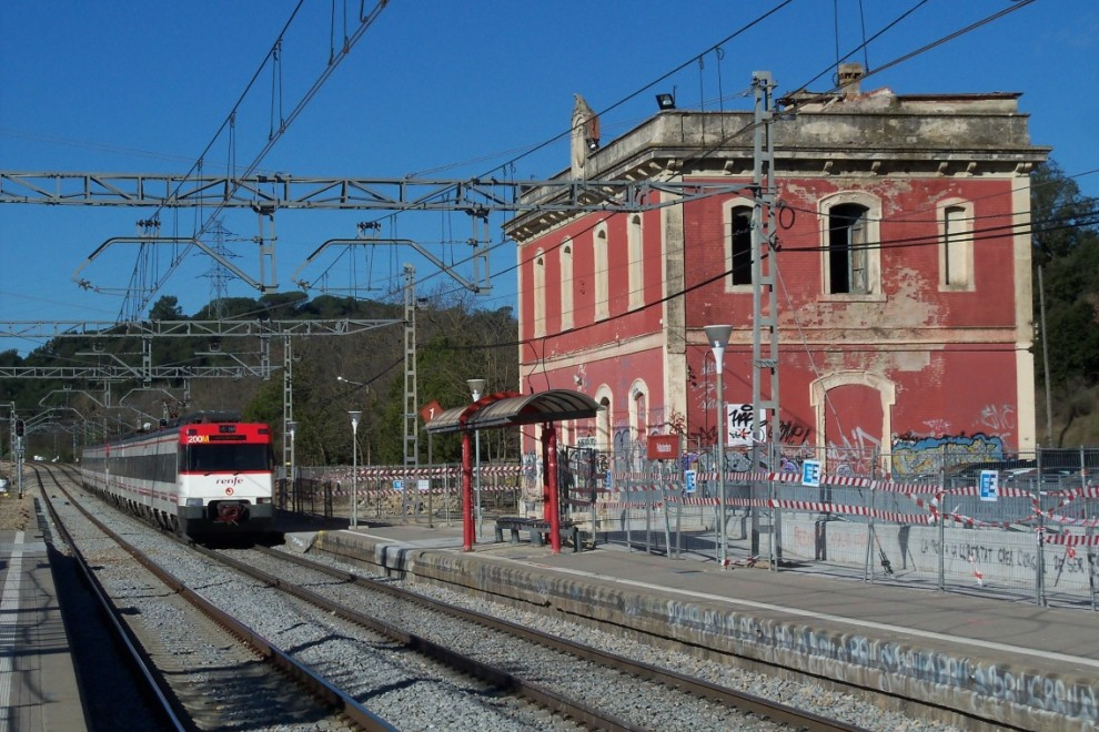 Tren Una Segunda Vida Para Las Estaciones De Tren En Desuso Público