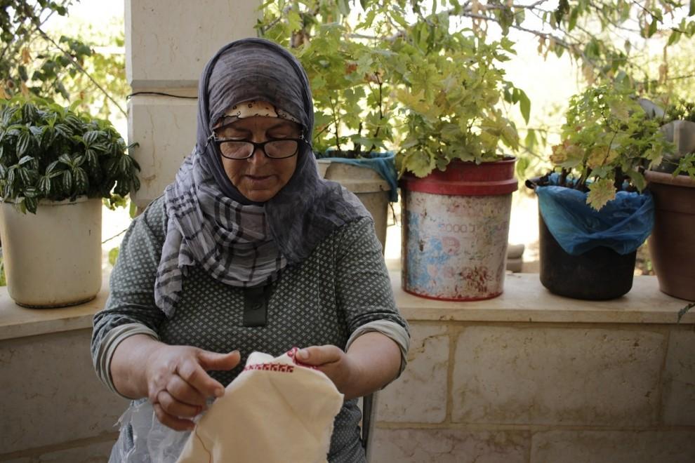 Karemeh Ahmad en su casa de Dayr al-Sudan 16 de agosto de 2019. / Marta Saiz