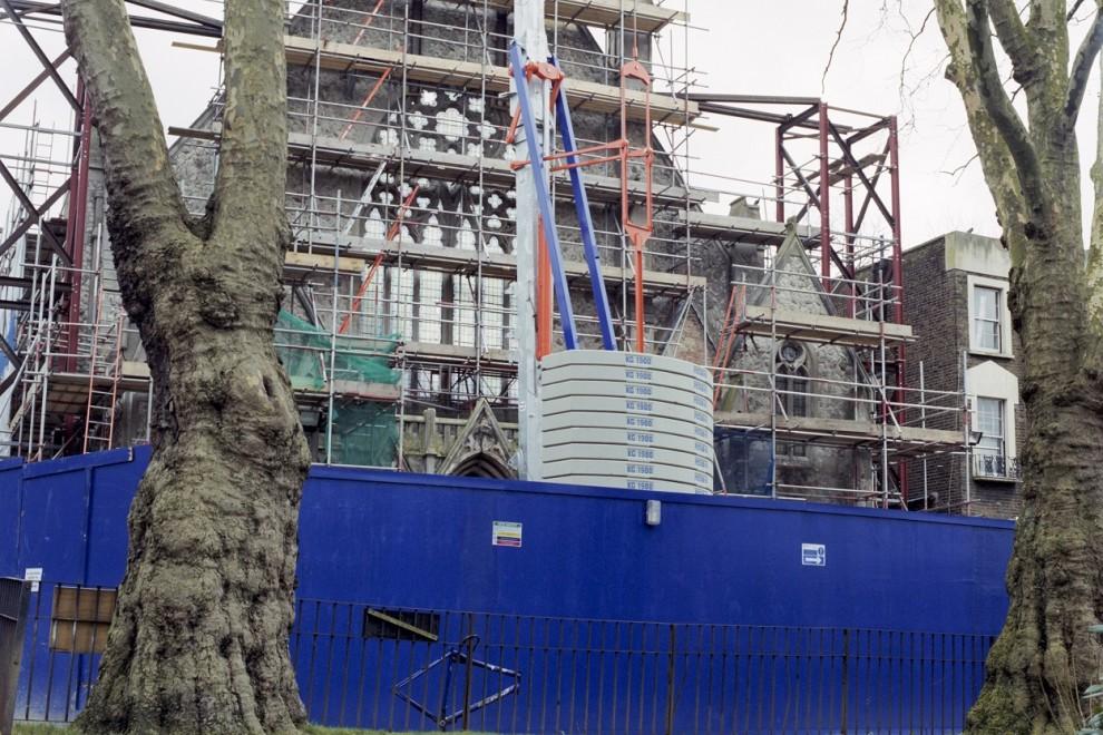 Iglesia en proceso de transformación en pisos en Dartmouth Park (Londres).