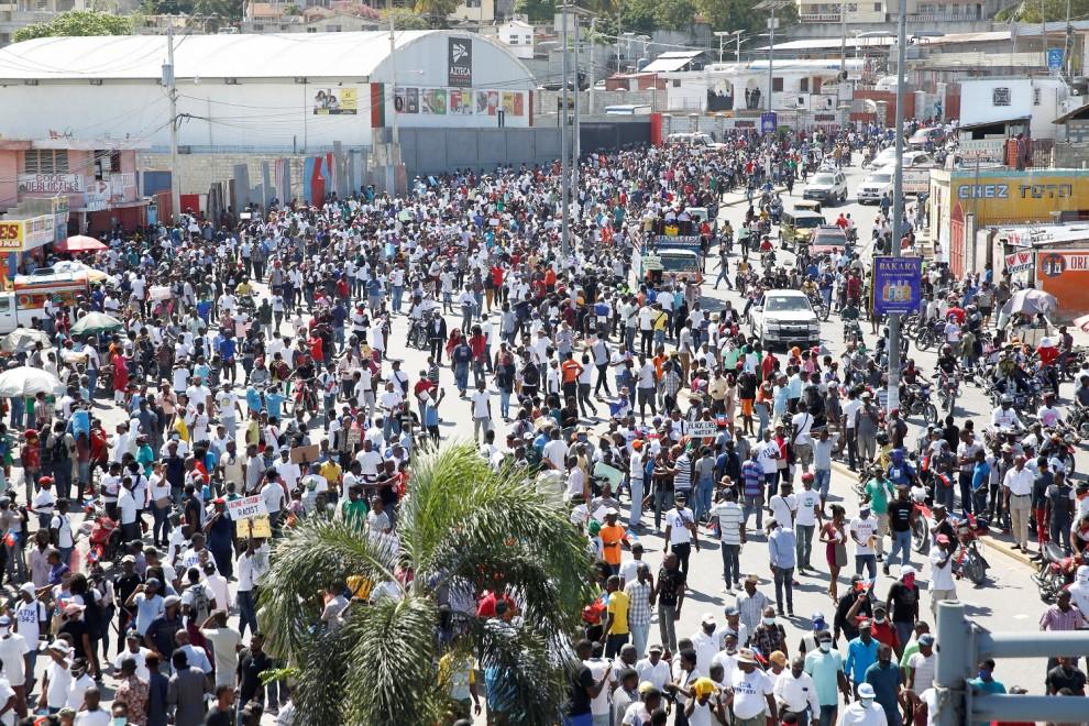 Manifestación contra el presidente del Haití, al que la oposición tilda de dictador por no haber abandonado el poder.