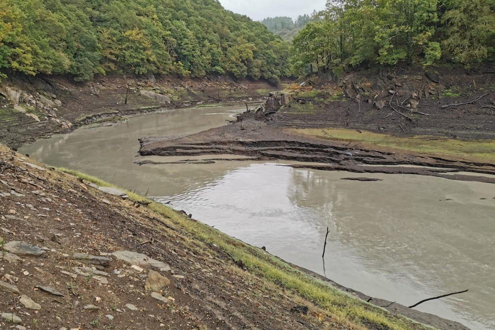 Imagen del río Eume contaminado.