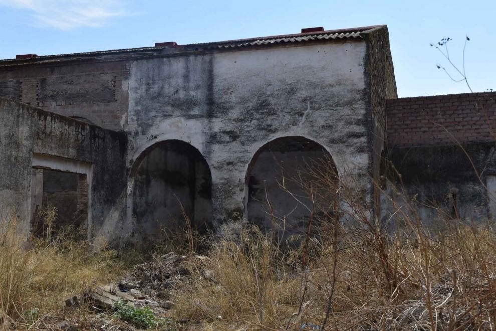 Vestigios y restos en el campo de las Arenas.