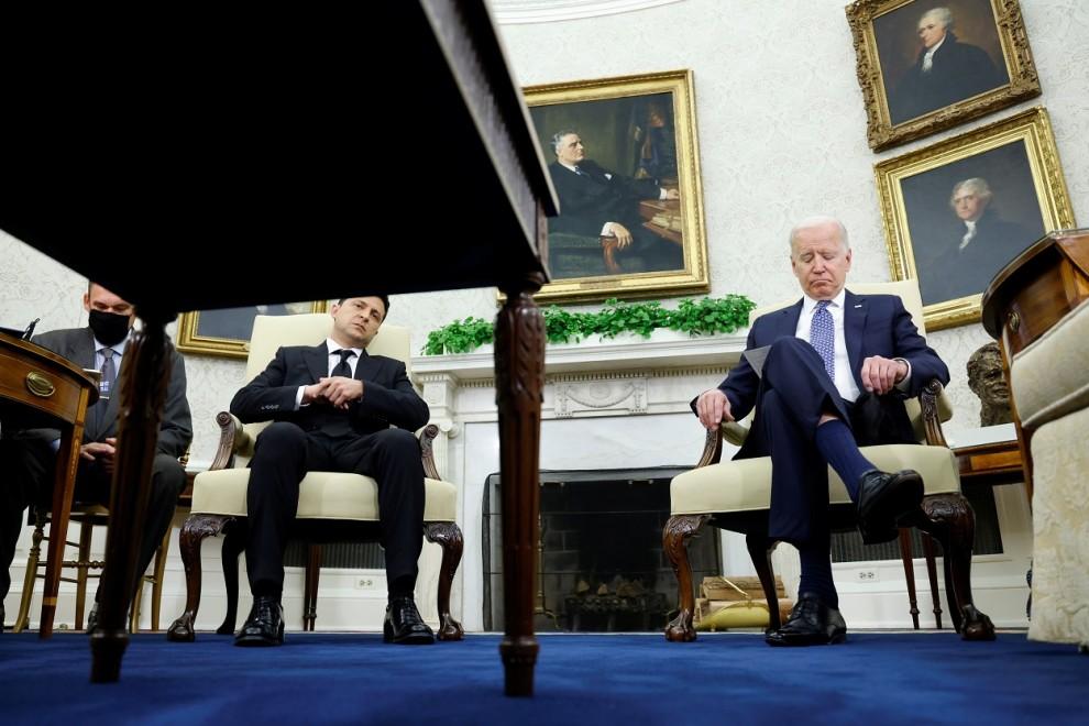 El presidente de los EEUU, Joe Biden, durante su encuentro con el presidente de Ucrania, Volodymyr Zelenskiy, en el Despacho Oval de la Casa Blanca, en Washington. REUTERS/Jonathan Ernst