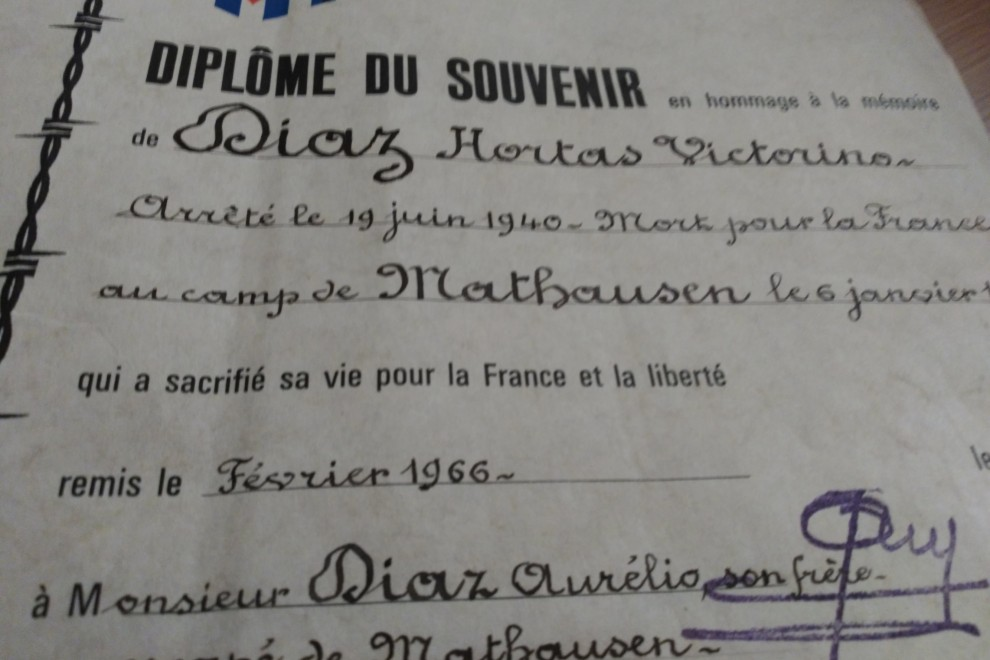 Diploma del Gobierno francés en honor de Victorino Díaz Hortas, 'muerto en defensa de Francia'