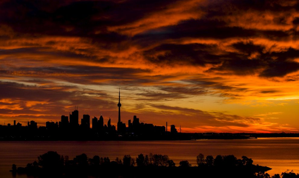 El amanecer en Toronto, Estados Unidos. REUTERS/Mark Blinch