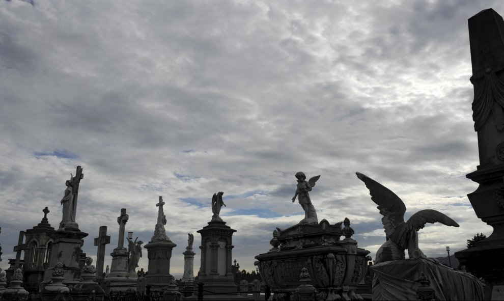 Vista general del cementerio de La Carriona, en Avilés. REUTERS/Eloy Alonso