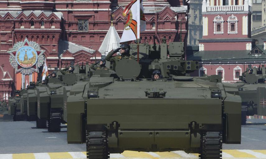 Russian Kurganets-25 armoured personnel carriers drive during the Victory Day parade at Red Square in Moscow. REUTERS/Host Photo Agency/RIA Novosti