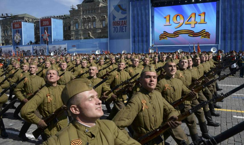 Russian servicemen in historical Red Army uniforms march during the Victory Day parade at Red Square in Moscow. REUTERS/Host Photo Agency/RIA Novosti